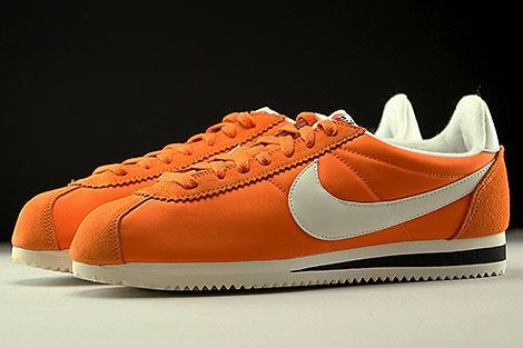 Nike Classic Cortez Nylon AW Orange Creme Schwarz Seitenansicht