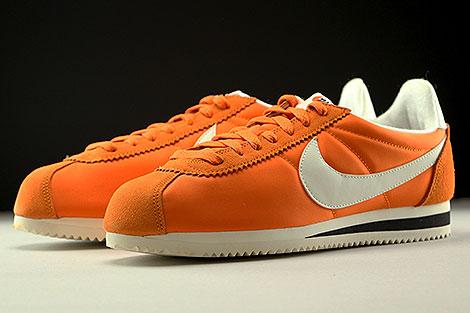Nike Classic Cortez Nylon AW Orange Creme Schwarz Seitendetail