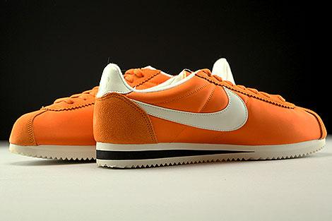 Nike Classic Cortez Nylon AW Orange Creme Schwarz Innenseite