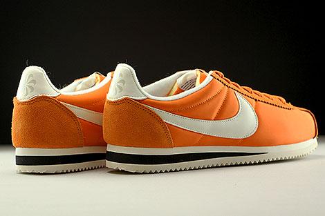 Nike Classic Cortez Nylon AW Orange Creme Schwarz Rueckansicht