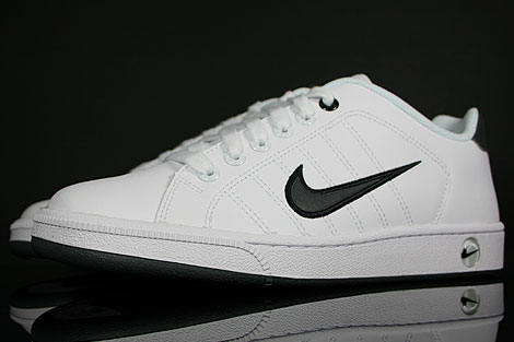 new style a2496 f4f72 ... Court Tradition nike ...