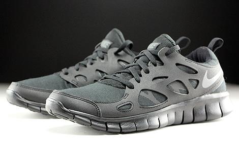 dark gray nike free run
