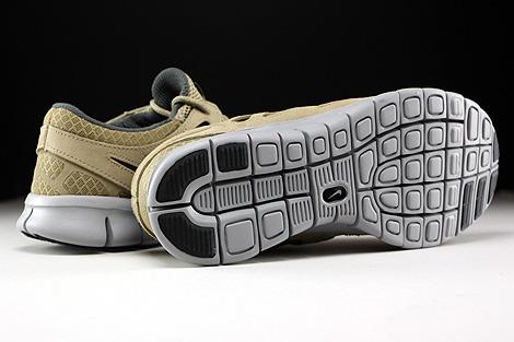 Nike Free Run 2 Khaki Flat Silver Dark Grey Outsole