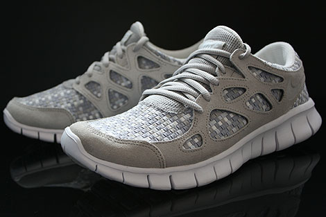 Nike Free Run 2 Woven Pure Platinum Granite Stadium Grey Sidedetails