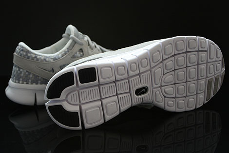 Nike Free Run 2 Woven Pure Platinum Granite Stadium Grey Outsole