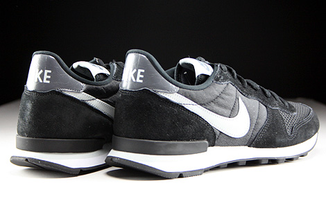 Nike Internationalist Black Grey Mist Dark Grey White Back view