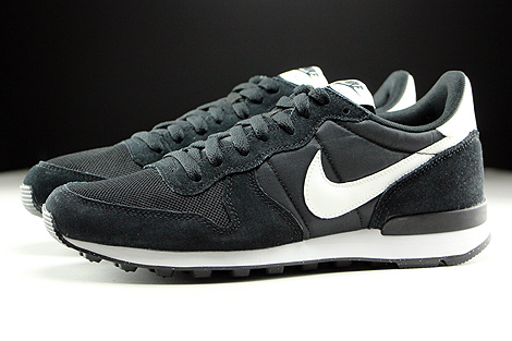 Nike Internationalist Black Summit White Neutral Grey White Profile