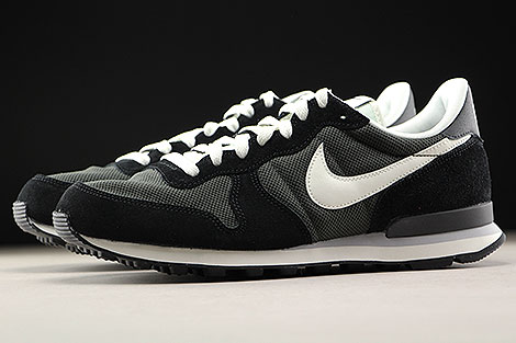 Nike Internationalist Deep Pewter Sail Black Profile