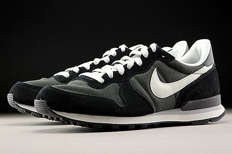 Nike Internationalist Deep Pewter Sail Black Sidedetails