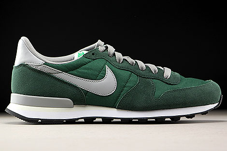 Nike Internationalist Gorge Green Matte Silver Right