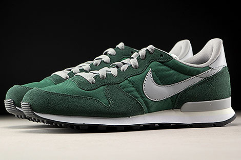 Nike Internationalist Gorge Green Matte Silver Profile