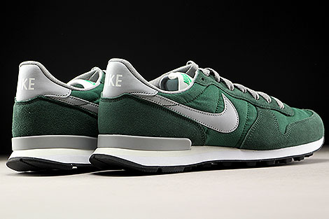 Nike Internationalist Gorge Green Matte Silver Back view