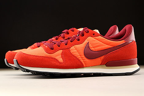 Nike Internationalist Max Orange Team Red Profile