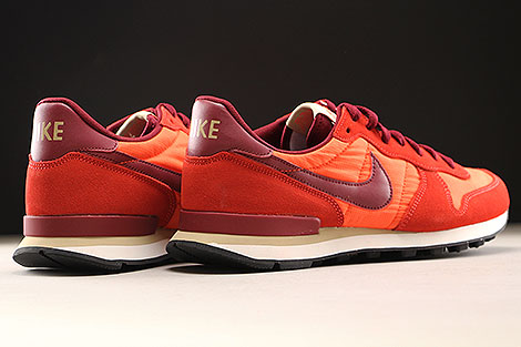 Nike Internationalist Orange Dunkelrot Weiss Rueckansicht