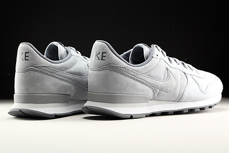 Nike Internationalist Premium Wolf Grey Cool Grey Pure Platinum Back view