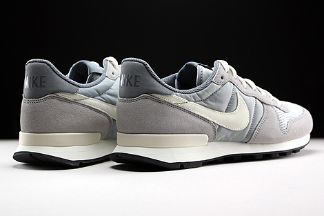 Nike Internationalist Wolf Grey Sail Back view