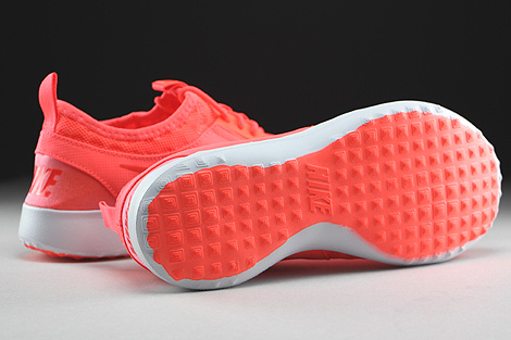 Nike Juvenate Hot Lava Bright Crimson White Outsole