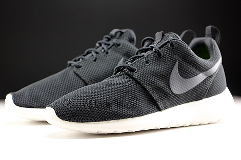Nike Roshe One Black Anthracite Sail Sidedetails