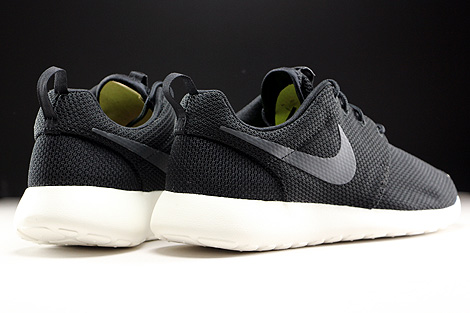 Nike Roshe One Black Anthracite Sail Back view