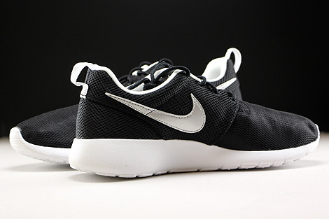 Nike Roshe One GS Black Metallic Silver White Inside