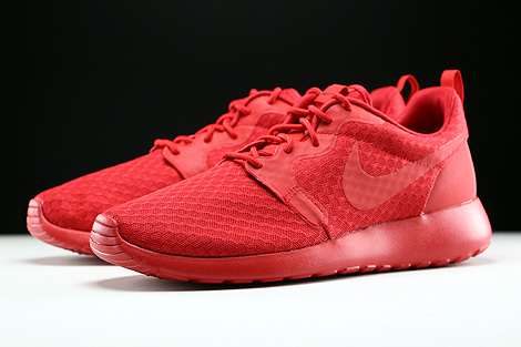 Nike Roshe One Hyp University Red Black Sidedetails