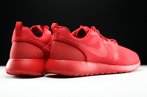 Nike Roshe One Hyp University Red Black Back view