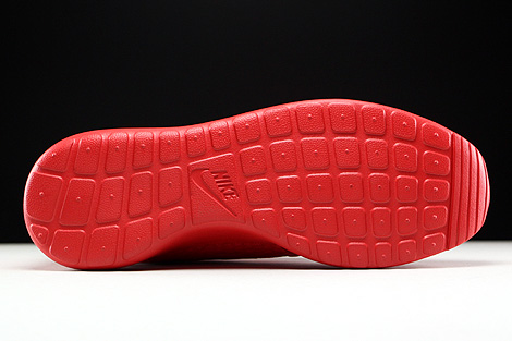 Nike Roshe One Hyp University Red Black Outsole