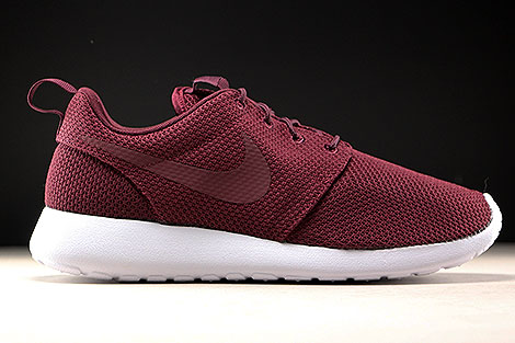 Nike Roshe One Night Maroon White Right