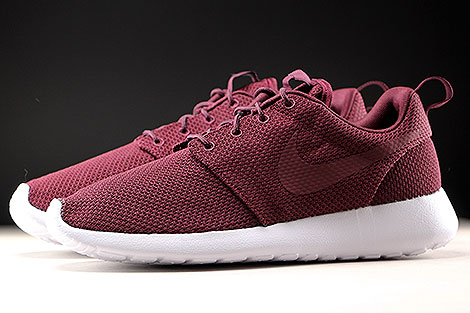 Nike Roshe One Night Maroon White Profile