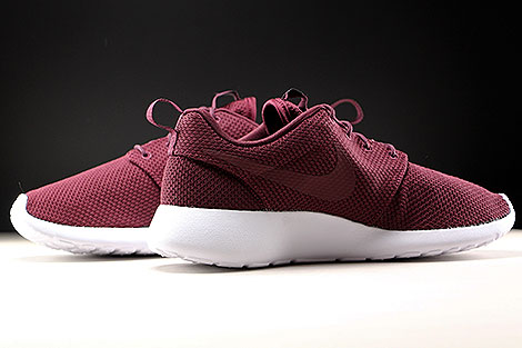 Nike Roshe One Night Maroon White Inside