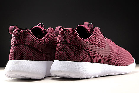 Nike Roshe One Night Maroon White Back view