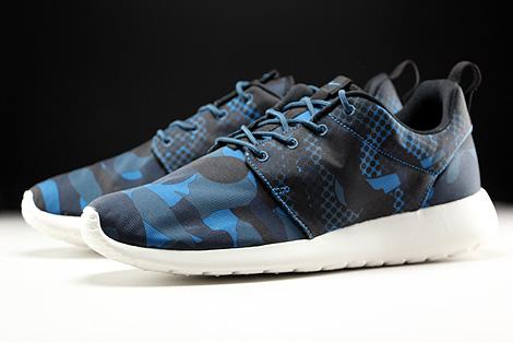 Nike Roshe One Print Dunkelblau Blau Schwarz Creme Seitendetail