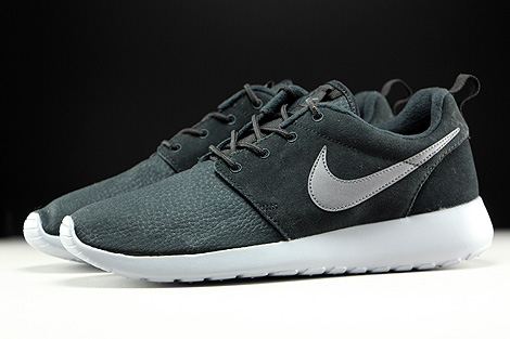 5da8e83f2d86a ... nike roshe one suede black metallic dark grey wolf grey profile