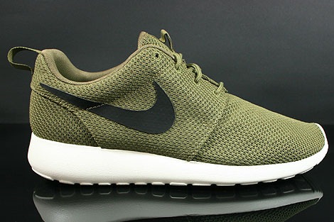 Nike Roshe Run Iguana Black Sail