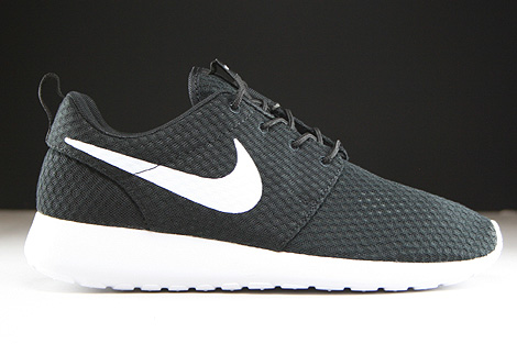 Nike Rosherun Breeze Black White Right