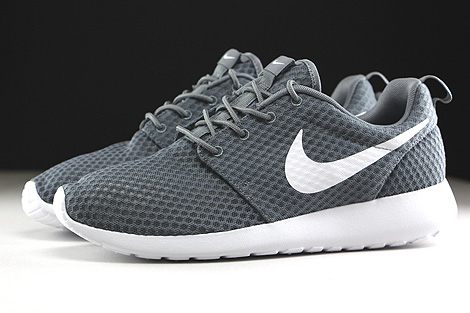 Nike Rosherun Breeze Cool Grey White Profile