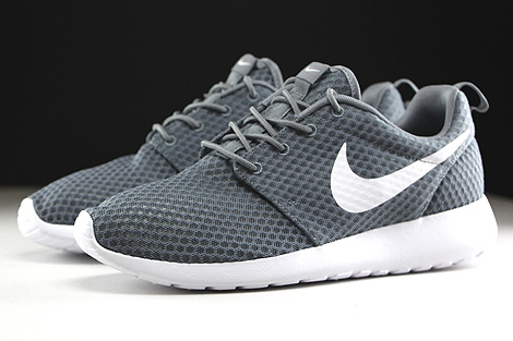 Nike Rosherun Breeze Cool Grey White Sidedetails