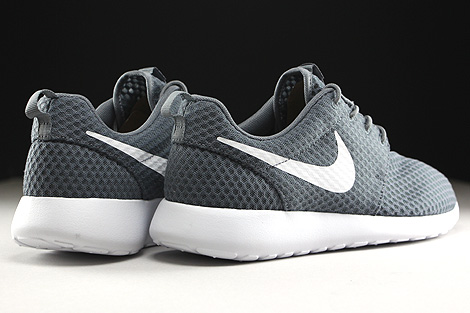 Nike Rosherun Breeze Cool Grey White Back view