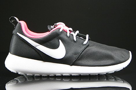 nike roshe run black white hyper punch