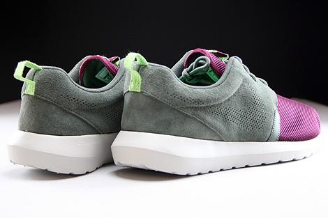 Nike Rosherun NM FB Dunkellila Grau Hellgrau Rueckansicht