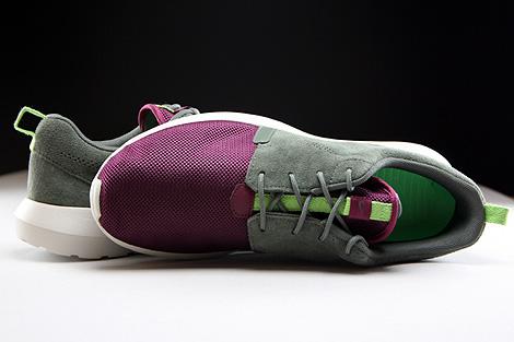 Nike Rosherun NM FB Dunkellila Grau Hellgrau Oberschuh
