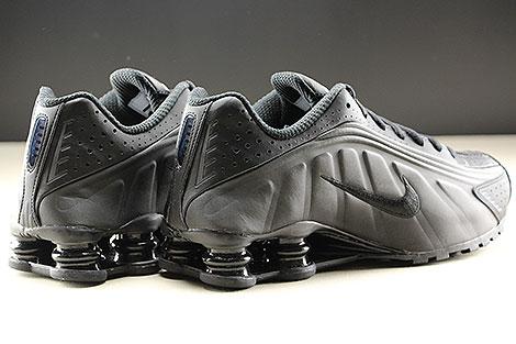 Nike Shox R4 Black Black White Rueckansicht
