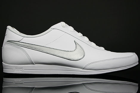 Nike Signature White Metallic Silver Black