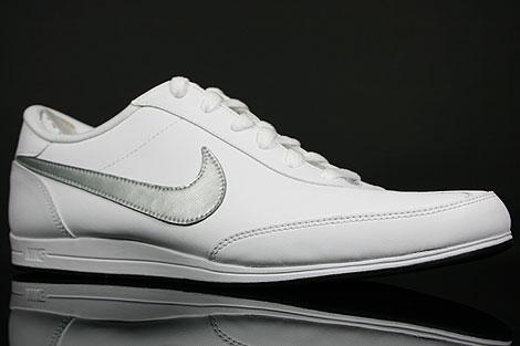 Nike Signature Weiss Silber Schwarz Seitendetail