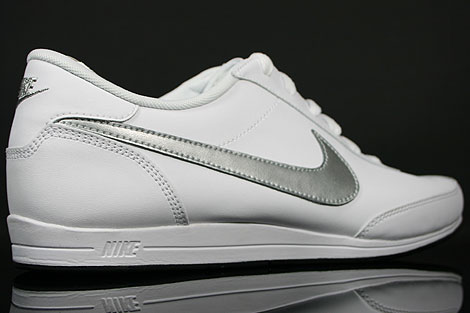 Nike Signature White Metallic Silver Black Over view