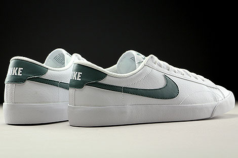 Nike Tennis Classic AC White Hasta Back view
