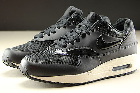 Nike WMNS Air Max 1 Black Black Summit White Profile