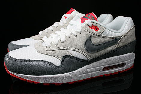 Nike WMNS Air Max 1 Essential White Cool Grey Base Grey Light Crimson Profile