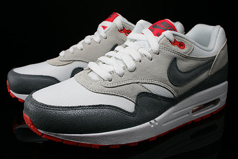 Nike WMNS Air Max 1 Essential White Cool Grey Base Grey Light Crimson Sidedetails