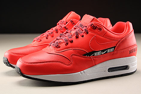 Nike WMNS Air Max 1 SE Bright Crimson Profile